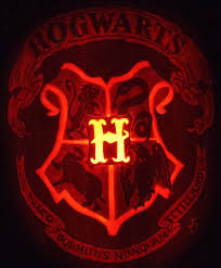 hogwarts crest pumpkin by johwee on deviantart