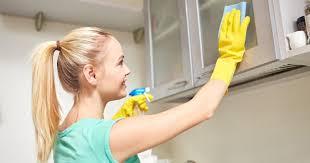 nettoyer cuisine comment nettoyer les dessus de placards de cuisine