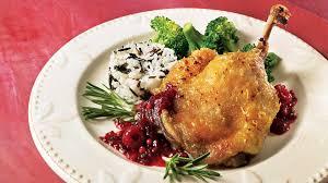 cuisiner cuisse de canard confite cuisses de canard confites et chutney aux petits fruits et au poivre