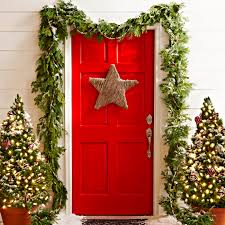 Best Way To Decorate A Christmas Tree 35 Christmas Door Decorating Ideas Best Decorations For Your