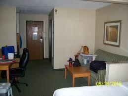 Comfort Inn Dubuque Ia Bed And Desk Picture Of Quality Inn Dubuque Tripadvisor