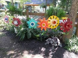 Metal Garden Flowers Outdoor Decor 393 Best Funky Garden Art Images On Pinterest Garden Ideas