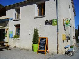 chambres d hotes castellane chambre d hôte gîte de la baume à hameau de la baume alpes de