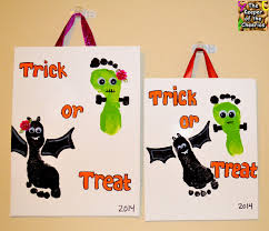 over 20 fantastic fall handprint and footprint crafts