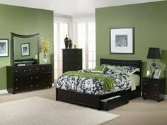 Decorating With Emerald Green Green Decorating Ideas Hgtv - Color schemes for bedroom