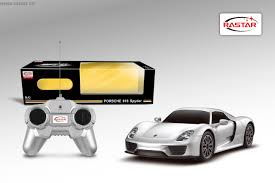 electric porsche 918 rastar kids electric car r c 1 24 porsche 918 spyder toy kids car