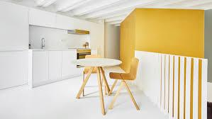 ma cuisine bien aim馥 raúl sánchez architects creates golden cubes inside duplex