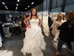 bridal stores edmonton bridal inspires couples with wedding trends