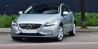 volvo v40 review carwow