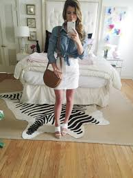 ways to wear short scarf for a more fashionable look how to wear a denim shirt 13 ways to style chambray