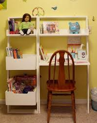 Leaning Bookcase Woodworking Plans by Ana White Little Sloan Leaning Bookshelf Diy Projects