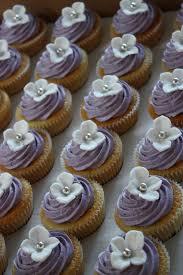 Hydrangea Wedding White Hydrangea Wedding Cupcakes Vanilla Cupcakes With Lil U2026 Flickr