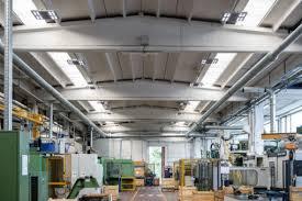 illuminazione industriale led led ed alta efficienza nell illuminazione industriale luce e design