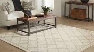 Area Rug Tips Tips On Choosing The Right Size Area Rug Flooring How To