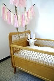 d o chambre vintage lit bebe vintage cheap dco chambre duenfant fille with chambre bebe