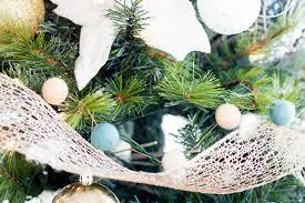 do it yourself divas diy faux fur tree skirt plus woodland