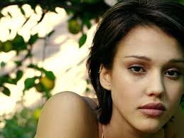 jessica alba with short hair hair style and color for woman
