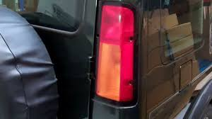 discovery 2 rear light conversion how to change bulbs remove rear lights on land rover discovery 2