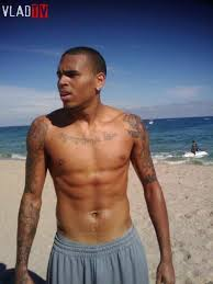 chris brown proves he did not take a photo on the