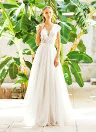 flowy wedding dresses best 25 tulle wedding gown ideas on tulle wedding