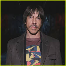 anthony kiedis bares buff body while changing out of wetsuit