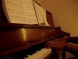 a brown thanksgiving theme piano