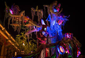 When Do Halloween Decorations Go Up At Disneyland 2017 Mickey U0027s Halloween Party At Disneyland Tips Disney Tourist Blog