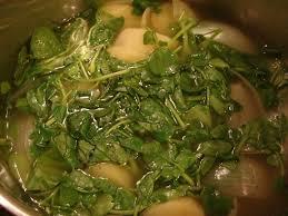 cuisiner le cresson velouté de cresson et espuma de saumon fumé le monde de
