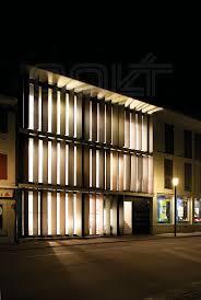 Glashaus Bad Salzuflen Bewegliches Holzlamellensystem Am Willi Beck Neubau In Sempach Das