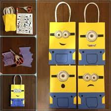 minion gift wrap gift bag ideas