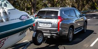 2017 mitsubishi pajero sport gls towing review photos 1 of 78