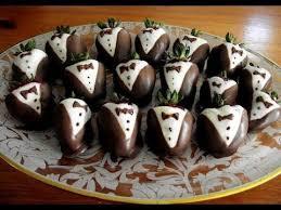 Chocolate Covered Strawberries Tutorial Best 25 Tuxedo Strawberries Ideas On Pinterest James Bond Fancy