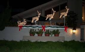 christmas light ideas for porch 27 amazing outdoor christmas decorations roohdaar lighted christmas