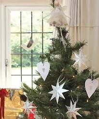 make paper heart and star christmas tree decorations christmas