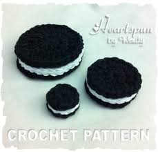 crochet pattern to make an oreo cookie use for dishes