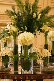 elegant and simple white and green amaryllis calla lilies