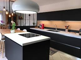 hotte ilot cuisine cuisine design avec hotte ilot lustre et verri re avec cuisine