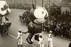 the 1920s puppeteer who invented the thanksgiving parade balloon