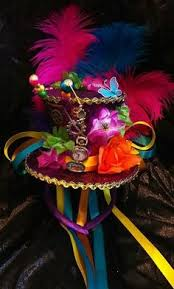 costume garã on mariage we made our own mad hatter top hat for a centerpiece on a