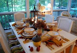 fall tablescape to autumn