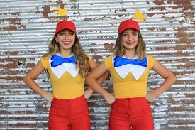 Tweedle Dee Tweedle Dum Halloween Costumes Tweedle Dee Tweedle Dum Costumes Alice Wonderland 15 Couples