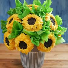edible bouquet how to make a sunflower cupcake bouquet tiphero