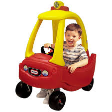 toddler car amazon com little tikes cozy coupe toys u0026 games