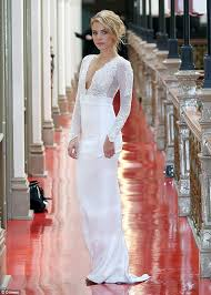 wedding dresses 500 the bachelor s olena khamula reveals she s tried on 500 wedding