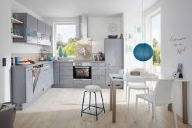 cuisine en forme de l cuisine complète en forme de l avec façade gris minéral