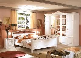 Schlafzimmer Mit Metallbett Schlafzimmer Neapel Pinie Weiß Bett 180x200 Nachttisch