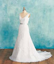 Wedding Dresses For Petite Brides Wedding Dresses How To Choose The Perfect Dress For Your Body
