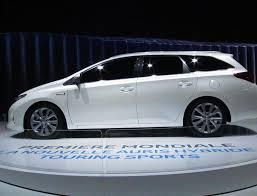 lexus hybrid a vendre auris touring sports hybrid toyota review http autotras com
