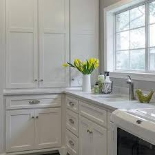 Glazed Laundry Room Backsplash Design Ideas - Utility sink backsplash