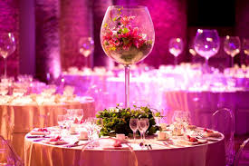 wedding table decorations with round table be equipped glass and